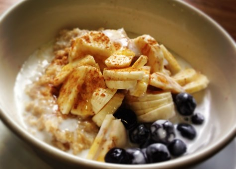 Banana and Berry Porridge